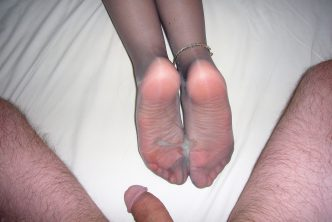 She has cum on her soles