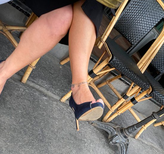A mature slut with an ankle chain